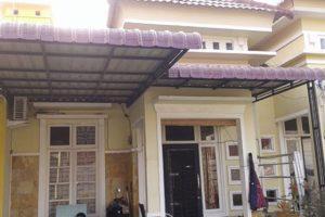 canopy seng lengkung depan dengan rangka besi cat warna hitam