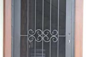 pintu besi semi minimalis dengan kasa nyamuk