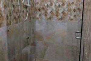sekat kaca dan pintu kamar mandi, kaca tempered 10mm
