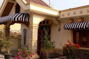 canopy kain tipe bullnose dan quarter rounded, kain warna coklat tua dan putih (RC 206)